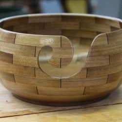 Dupuis-Claude-light-segmented-yarn-bowl