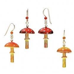 Golden-Lucy-lgj-resized-mushrooms