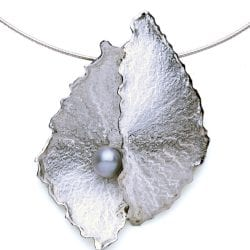 Graves-Denise-Lowrey-necklace2
