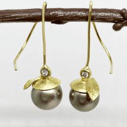 McLaughlin-Barbara-gold-pearl-earrings