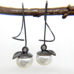 McLaughlin-Barbara-pearl-earrings