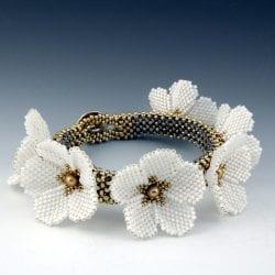 Ojanen-Ritvaliisa-RO-Flower-bracelet-2020