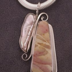 Willow Creek Agate + Stick pearl 1